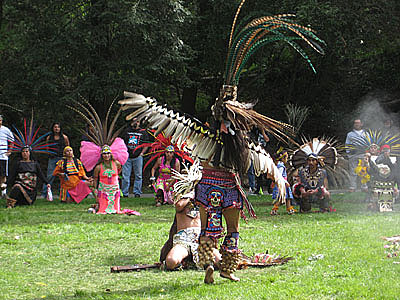 Azteca jaguar and eagle dancers
