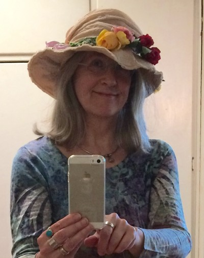 A flowery hat for Beltane
