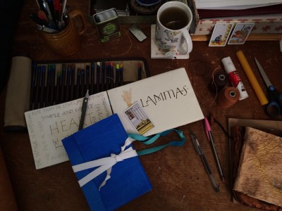 Journal desk